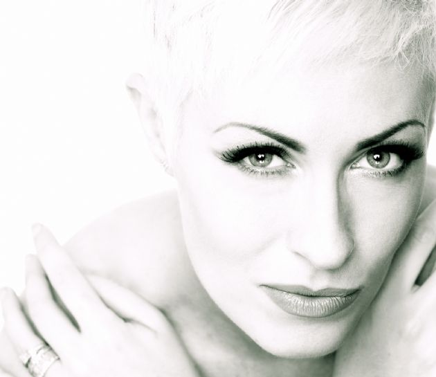 Gallery: Annie Lennox by Stacy