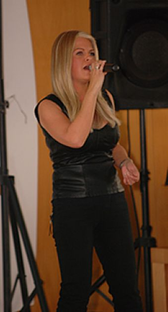 Gallery: Bonnie Tyler Tribute