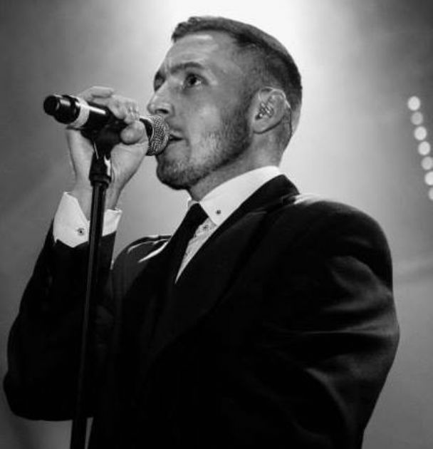 Gary Barlow Wedding Ring: Live Tribute To Gary Barlow