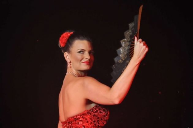 Gallery: Laura does Cabaret