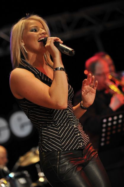 Gallery: Natalie M  Live Lounge