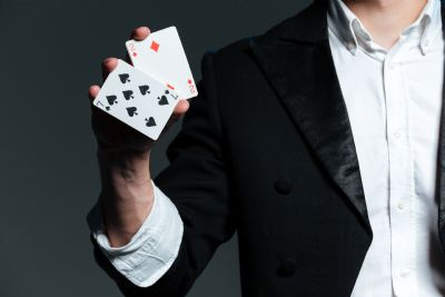 Magicians & Magic/Illusion Acts - John - Stage & Close Up Magician